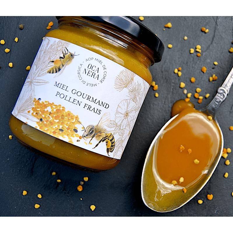 Bougie en cire d'abeilles - Pyramide - vue de cote